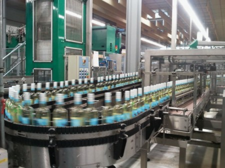 Dachshund Riesling on the bottling line